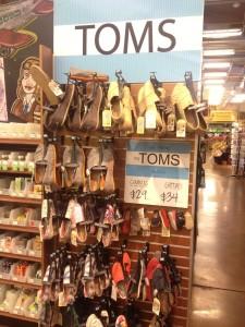 toms тапки