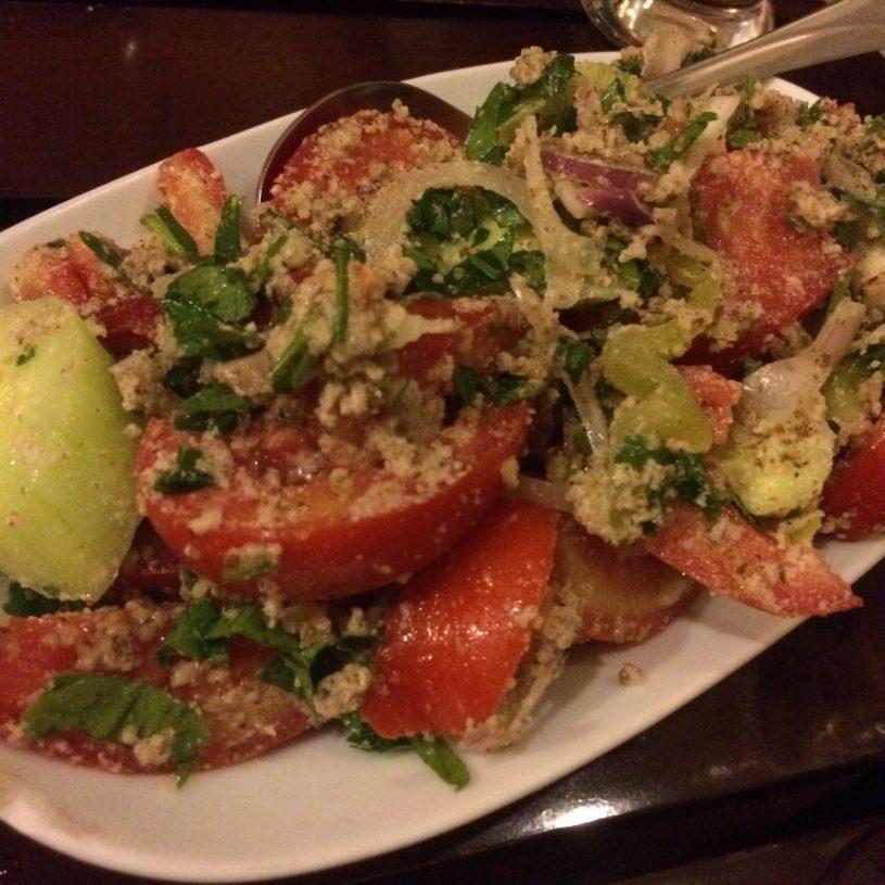 Салат с ореховым соусом